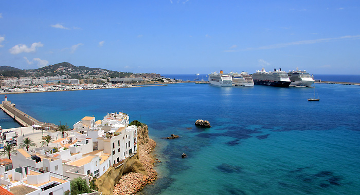 MS Celebrity Reflection / Ibiza Stadt (Eivissa) / Spanien / 10 Bilder: 06.06.2018